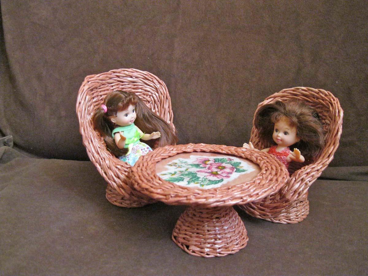 Мебель из газетных трубочек для кукол