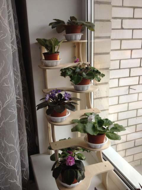 Полочка на окно для цветов