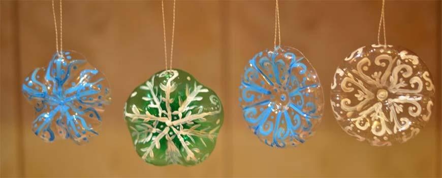 украшения из пластиковых убтылок на новый год